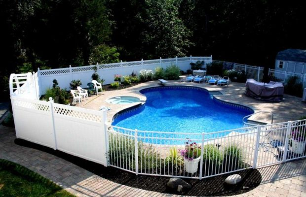 Best benefits of do it yourself pool fence wall ebuilders but professional installing pool fencing could be costly which is why cost effective do it yourself solutioingenieria Choice Image